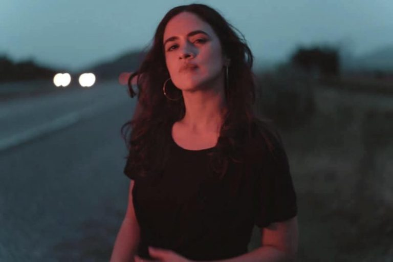 Neysa Blay: Una rockstar lista para comerse al mundo [ENTREVISTA]