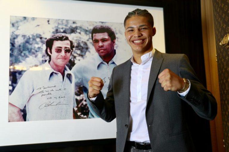 Top Rank firma a su peleador más joven: el boricua Xander Zayas