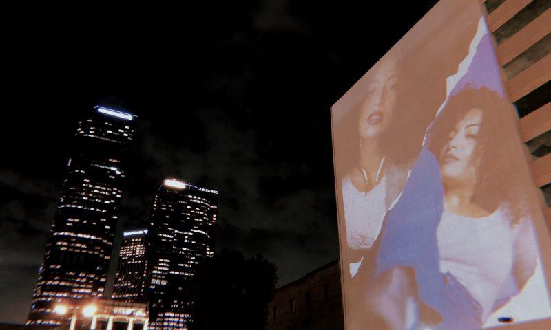Fotógrafa Val Vega exhibe rostros boricuas en edificios de Los Ángeles